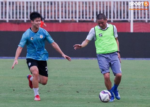 Lee Nguyễn: Chúng tôi phải thi đấu sòng phẳng, ăn miếng trả miếng trước CLB Hà Nội - Ảnh 4.