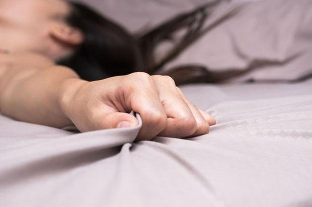Nếu quan hệ tình dục chỉ gặp đau đớn, đây là 11 nguyên nhân bạn có thể đang mắc phải - Ảnh 3.