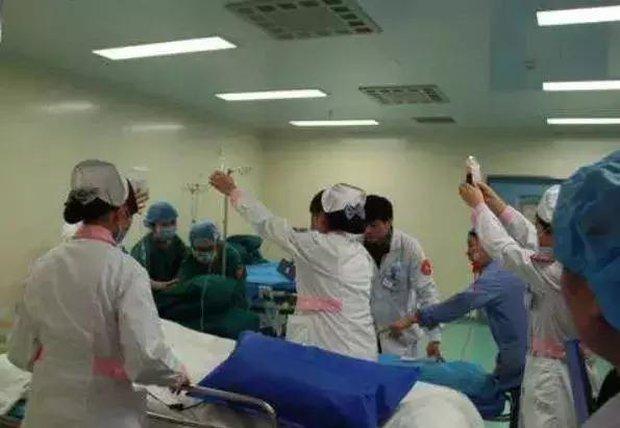 Người phụ nữ 36 tuổi bị vỡ mạch máu, thối nhiều lỗ lớn trên phổi, bác sĩ xót xa: Có nhiều bạn trẻ như thế - Ảnh 4.