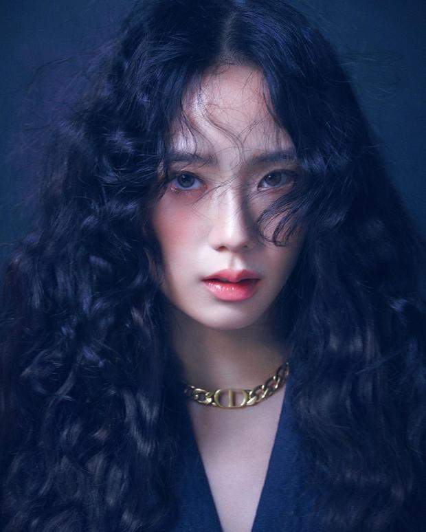Jisoo (BLACKPINK) trở thành nữ idol đẹp nhất Kpop, thứ hạng mỹ nhân aespa gây tranh cãi dữ dội - Ảnh 2.