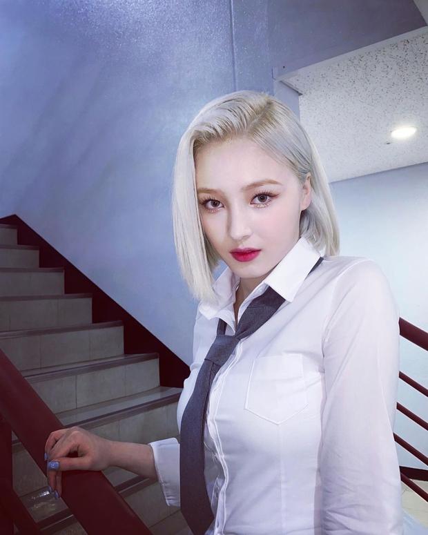 Jisoo (BLACKPINK) trở thành nữ idol đẹp nhất Kpop, thứ hạng mỹ nhân aespa gây tranh cãi dữ dội - Ảnh 7.