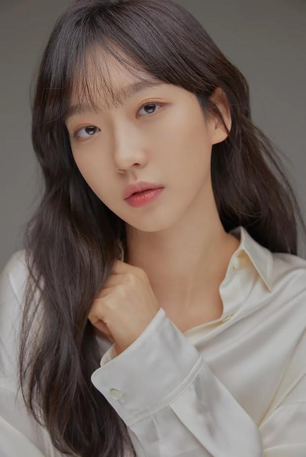 6 sao Hàn toàn sát nhân, mean girls trên màn ảnh nhưng ngoài đời lại trái ngược: Sốc nhất là tính cách của ác nữ Penthouse Kim So Yeon! - Ảnh 5.