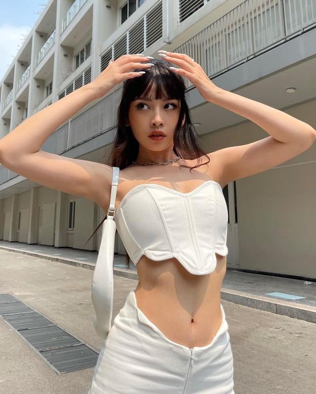 Chi Pu đốt mắt với màn tạo dáng khiêu khích khoe body, bạn gái Phillip Nguyễn cũng phải vào khen vì quá mlem mlem - Ảnh 3.