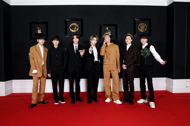 BTS bị chế giễu vì đặt bánh hình cúp Grammy dù trượt giải, fan phẫn nộ khi sự thật được phơi bày - Ảnh 5.