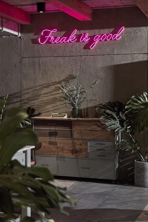 Penthouse 3 tầng của vợ chồng Khởi My - Kelvin Khánh: Độ đầu tư gây choáng, riêng phòng bếp chất như quán cafe - Ảnh 6.