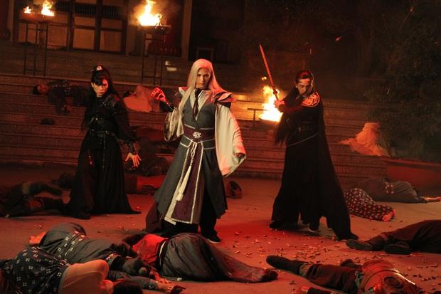 Tràn ngập cảnh nóng xen lẫn zombie kinh dị máu me trong phim âm nhạc 10 tỉ của Denis Đặng và Nguyễn Trần Trung Quân vừa ra mắt - Ảnh 10.