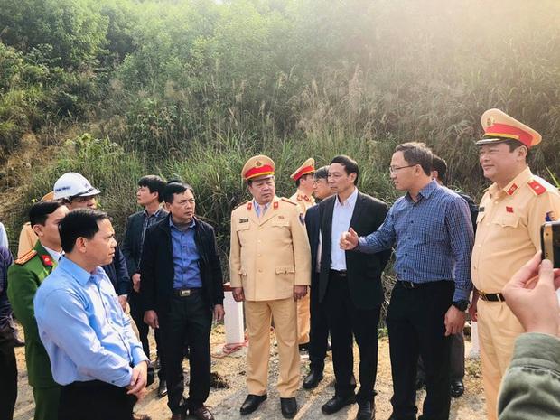 Không phát hiện vết phanh tại hiện trường vụ xe tải lao vào vách taluy dương làm 7 người tử vong ở Thanh Hóa - Ảnh 1.