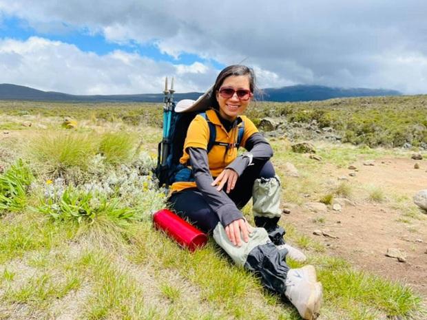 Sếp Viettel trở thành nữ 9x Việt Nam đầu tiên chinh phục Nóc nhà của Châu Phi Kilimanjaro: Leo 8 ngày liên tiếp, xuyên qua vùng nắng rát chóng mặt đến nơi -20 độ C - Ảnh 12.