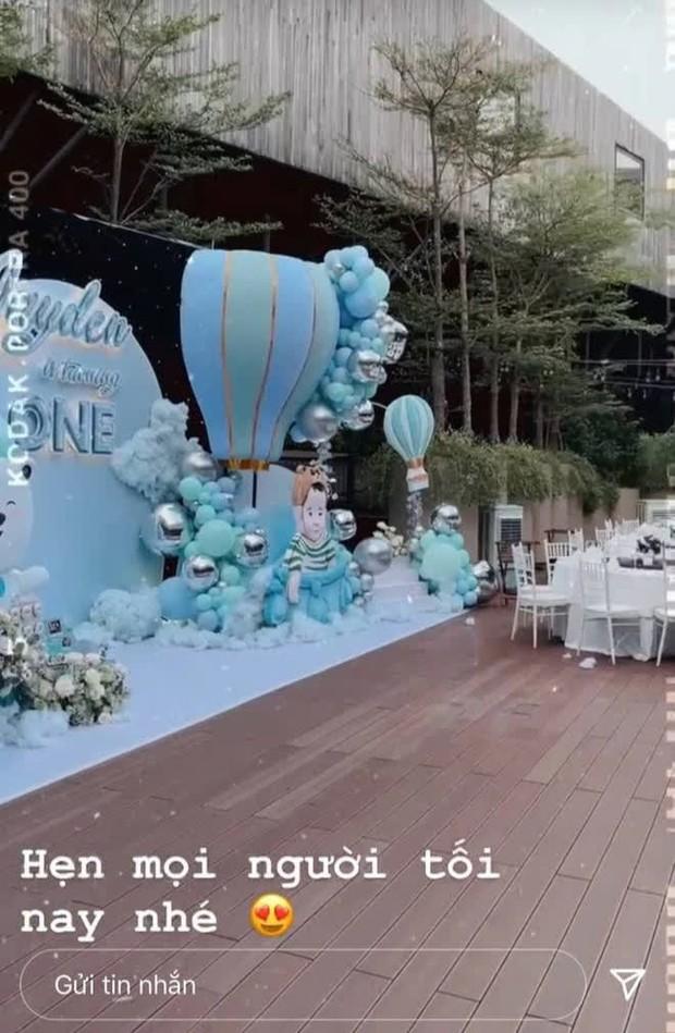 Ái nữ Minh Nhựa tổ chức tiệc sinh nhật xa hoa cho quý tử 1 tuổi, dàn khách mời toàn những người giàu có nức tiếng - Ảnh 2.