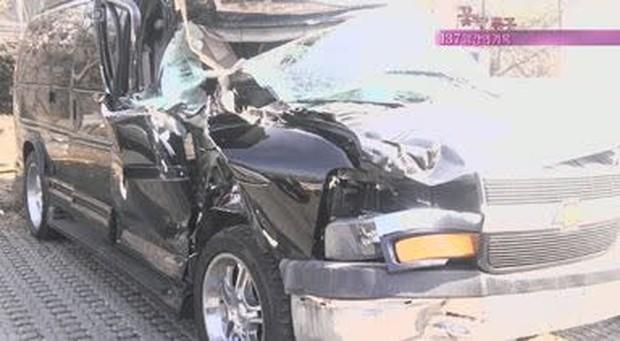 12 diễn viên Hàn Quốc suýt chết vì tai nạn giao thông: Lee Min Ho sợ phim hành động sau cú va chạm ở City Hunter - Ảnh 1.