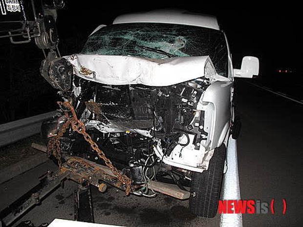 12 diễn viên Hàn Quốc suýt chết vì tai nạn giao thông: Lee Min Ho sợ phim hành động sau cú va chạm ở City Hunter - Ảnh 8.