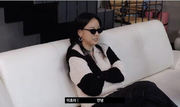Công ty chỉ sợ không quản được idol, Lee Hyori lại đưa ra lời khuyên khiến cả Bi Rain méo mặt: Cứ đi club và hẹn hò đi các em - Ảnh 2.