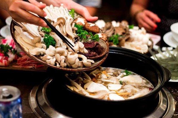 Ăn nấm mỗi ngày đem tới 3 lợi ích tuyệt vời cho sức khỏe, nhưng có 3 nhóm người không nên ăn kẻo hại người - Ảnh 1.