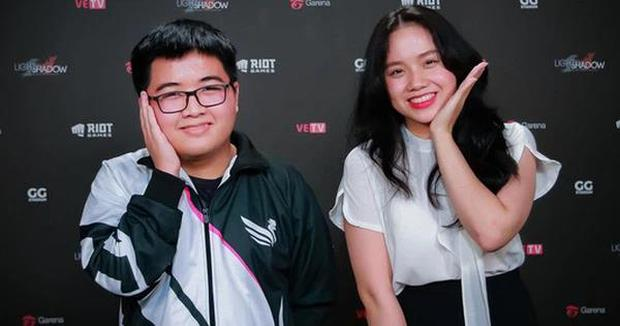 Kim Sa làm vlog bất ngờ tiết lộ sở thích chụp ảnh bán nude, hé lộ chuyện chia tay VCS - Ảnh 4.