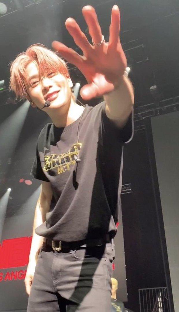 Fan đi concert bắt trọn visual đời thực của idol Kpop cự ly gần: Vóc dáng đỉnh cao nhưng có đẹp như trong MV? - Ảnh 8.