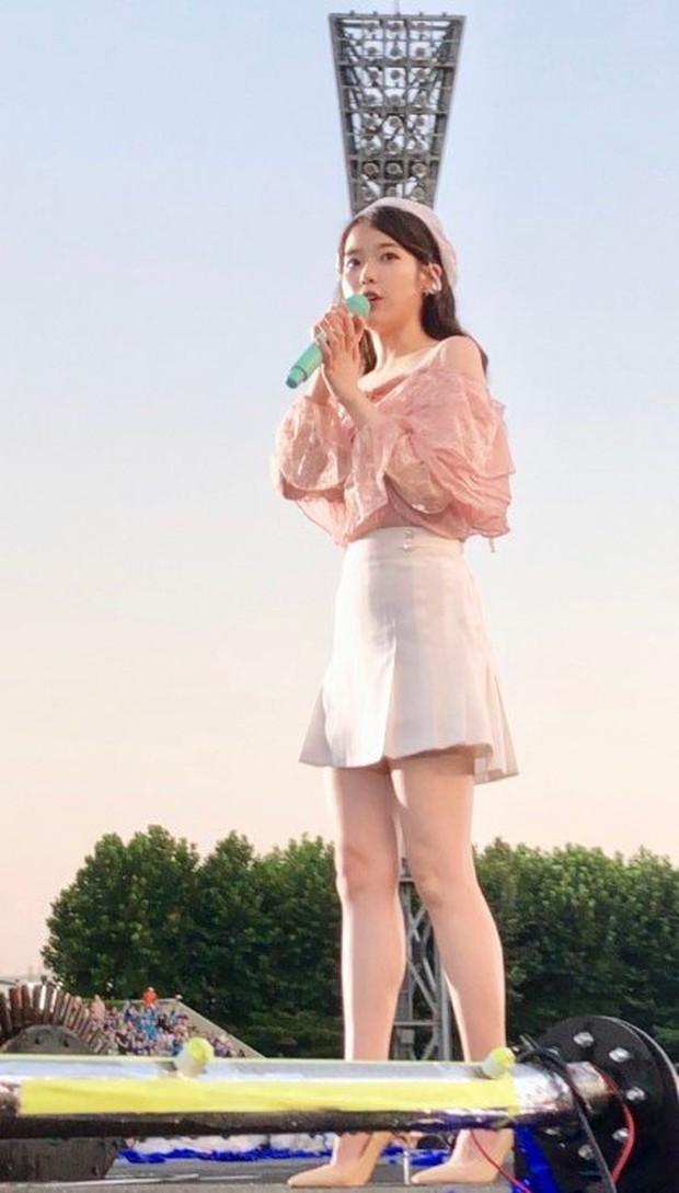 Fan đi concert bắt trọn visual đời thực của idol Kpop cự ly gần: Vóc dáng đỉnh cao nhưng có đẹp như trong MV? - Ảnh 24.