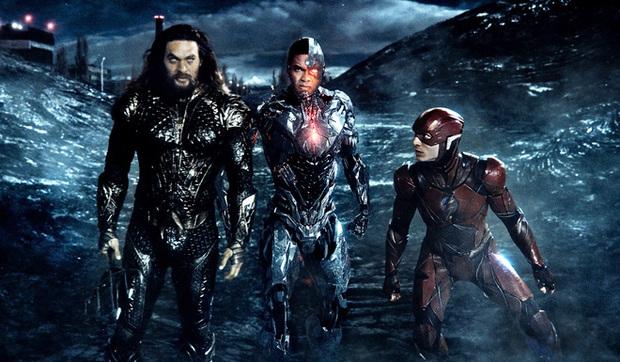 Justice League bản mới đại thắng trước bom tấn của Marvel, con ghẻ hóa con cưng phục thù cho DC quá ngoạn mục! - Ảnh 1.