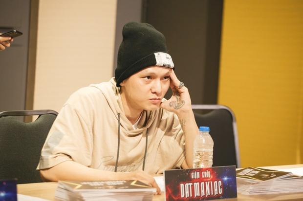 Dàn rapper có khả năng thay thế HLV Rap Việt mùa 2: Từ Đen Vâu - Kimmese đến người mệnh danh là king of rap đều được gọi tên - Ảnh 11.