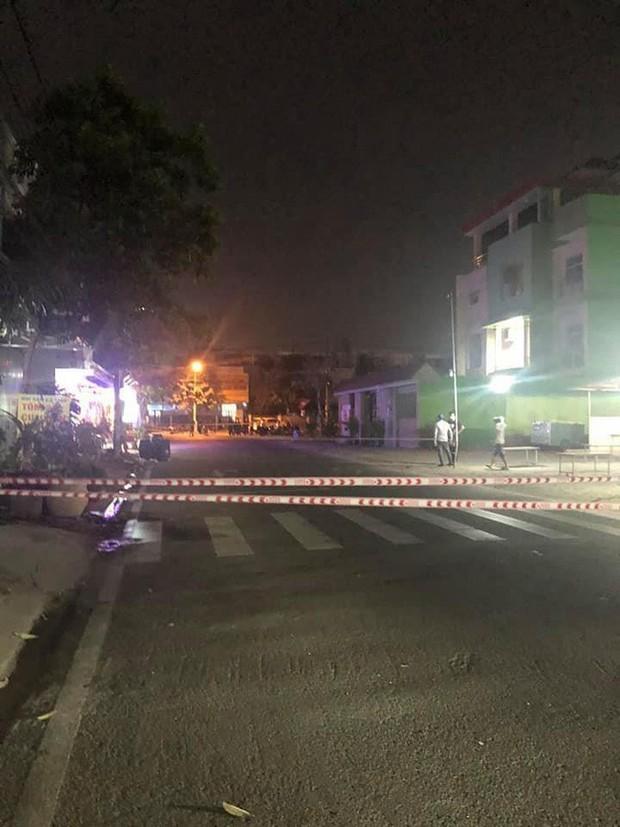 NÓNG: Bình Dương phong tỏa tuyến đường ở Thuận An có người nghi mắc Covid-19 - Ảnh 1.