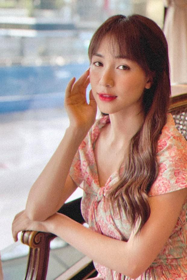 Bắt chước Hòa Minzy hack tóc dài bồng bềnh với tóc kẹp thần thánh giá chỉ từ vài trăm - Ảnh 2.