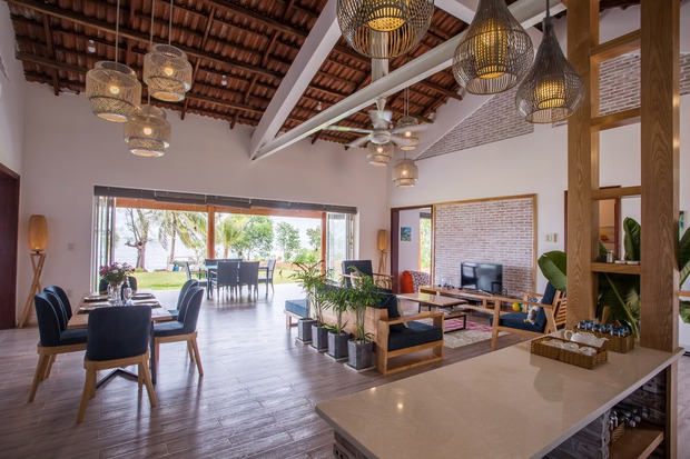 Lấy vợ Việt, chồng Pháp xây nhà 3 tỷ trên mảnh đất rộng 2500m2 tại Phú Quốc, sống sướng như ở resort - Ảnh 5.