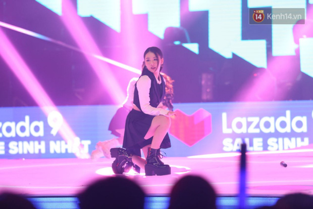 AMEE tự tin diễn bài hit có thêm đoạn dancebreak cực hăng nhưng nhìn rất là giống vũ đạo SOLO của Jennie luôn! - Ảnh 7.