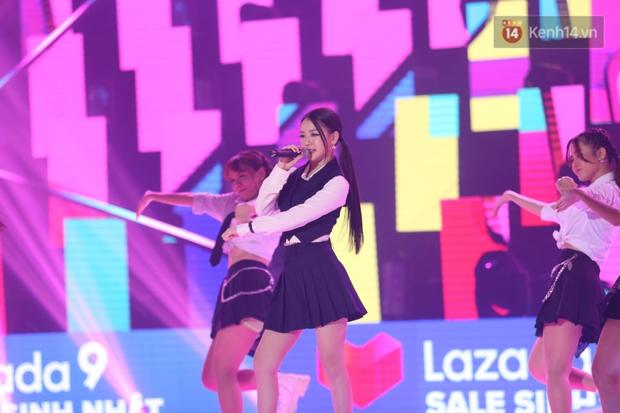 AMEE tự tin diễn bài hit có thêm đoạn dancebreak cực hăng nhưng nhìn rất là giống vũ đạo SOLO của Jennie luôn! - Ảnh 2.