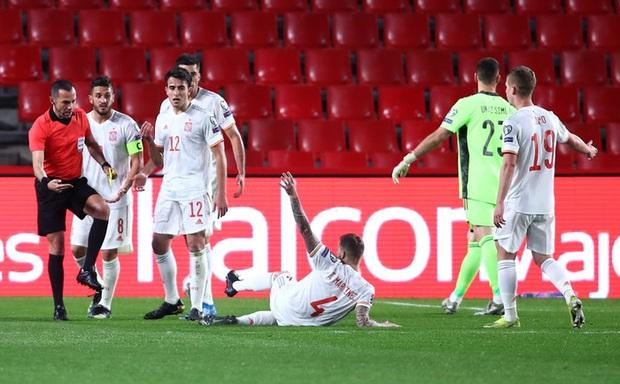 Thi đấu trên cơ hoàn toàn, Tây Ban Nha vẫn chia điểm với Hy Lạp ngay trận đầu vòng loại World Cup 2022 - Ảnh 4.