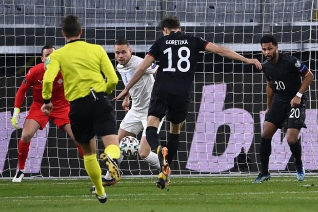 Tuyển Đức thắng dễ trận mở màn vòng loại World Cup 2022, mặc áo phản đối nhân quyền ở nước chủ nhà Qatar - Ảnh 4.