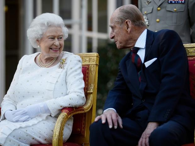 Mạnh mẽ kiên cường là thế nhưng tình trạng hiện tại của Nữ hoàng Anh hậu phỏng vấn Harry - Meghan khiến dân tình phải lo lắng - Ảnh 2.