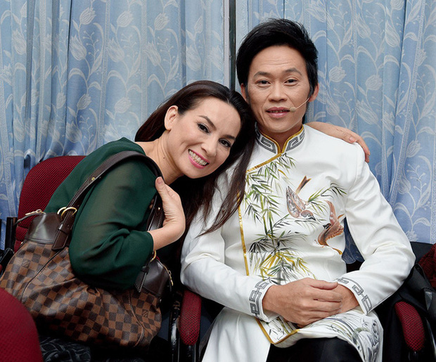 Cả dàn sao Việt đều ối giời ơi khi thấy NS Hoài Linh mặc vest siêu bảnh, riêng Phi Nhung rớt liêm sỉ cầu hôn luôn - Ảnh 5.