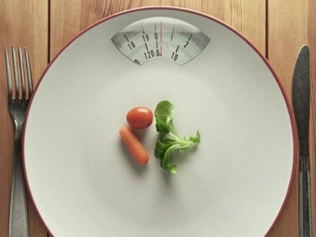 4 thói quen xấu khiến bạn dễ thất bại trong việc giảm cân, sửa ngay vẫn còn kịp đấy! - Ảnh 1.