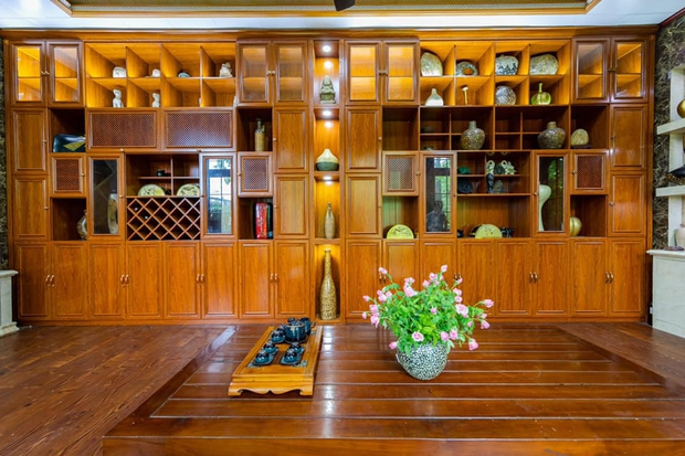 Kỷ niệm 15 năm ngày cưới, chồng tặng vợ ngôi nhà vườn kiểu Nhật, chi tiết gây shock nằm ở chất liệu, nhìn thì gỗ mà lại không phải gỗ?! - Ảnh 10.