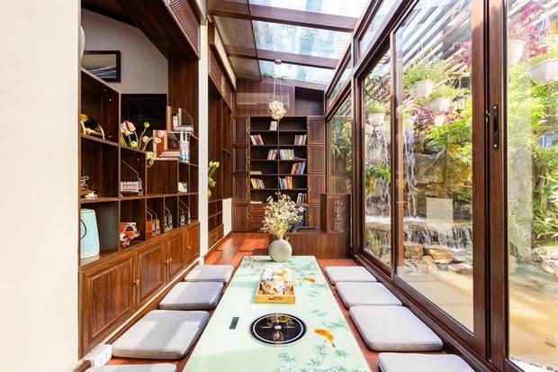 Kỷ niệm 15 năm ngày cưới, chồng tặng vợ ngôi nhà vườn kiểu Nhật, chi tiết gây shock nằm ở chất liệu, nhìn thì gỗ mà lại không phải gỗ?! - Ảnh 6.