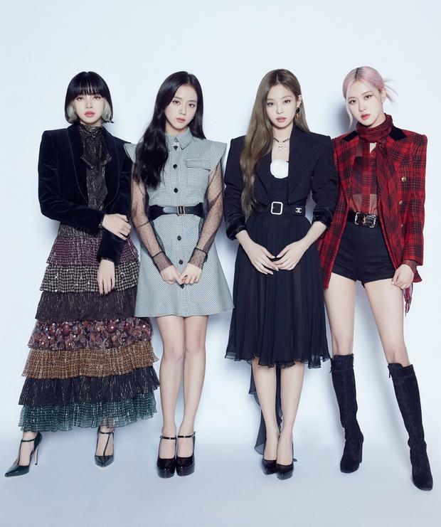 Bất ngờ BXH 30 ca sĩ hot nhất xứ Hàn: Nhóm nữ hiện tượng đè bẹp BLACKPINK, vượt cả IU đấu tay đôi với BTS - Ảnh 8.