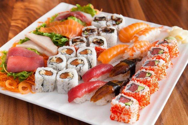 Nam đầu bếp chỉ ra 4 sai lầm cơ bản của người Việt khi ăn sushi, bạn có chắc mình đã thưởng thức món này đúng cách? - Ảnh 1.