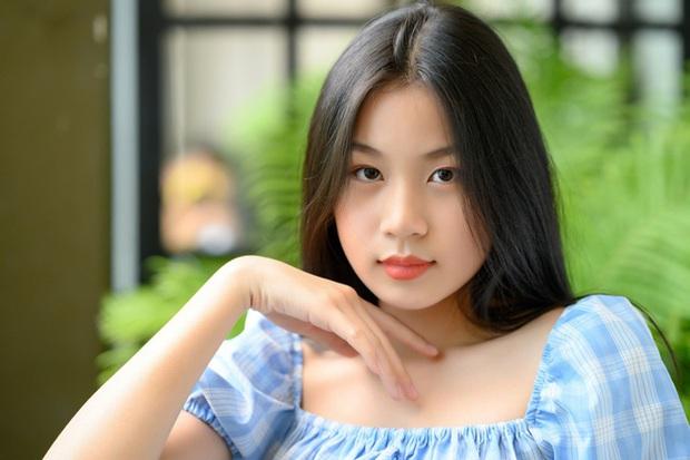 Con gái nữ nhạc sĩ vạ miệng nhất nhì showbiz: 16 tuổi trổ mã xinh như Hoa hậu, theo học ở trường song ngữ tiếng tăm với mức học phí ngất ngưởng - Ảnh 2.