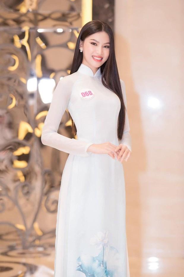 """Ngọc Thảo và hành trình tới top 20 Miss Grand 2020: Thần thái và body cực đỉnh, đôi chân dài 1m11 """"cực phẩm"""" nhưng học vấn gây tranh cãi? - Ảnh 2."""