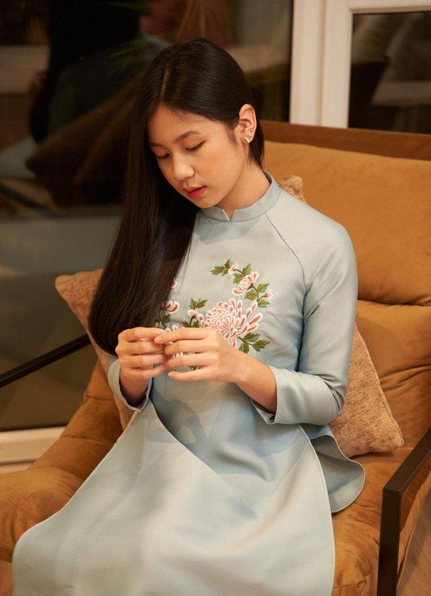 Con gái nữ nhạc sĩ vạ miệng nhất nhì showbiz: 16 tuổi trổ mã xinh như Hoa hậu, theo học ở trường song ngữ tiếng tăm với mức học phí ngất ngưởng - Ảnh 4.