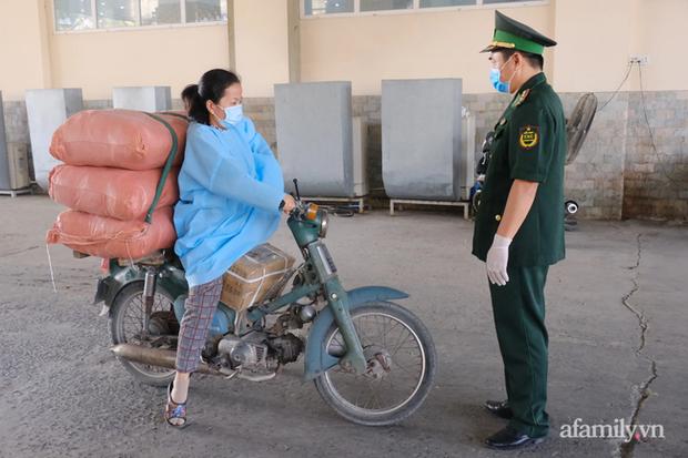 Tây Ninh phát hiện 49 người nhập cảnh trái phép chỉ trong 2 ngày - Ảnh 9.