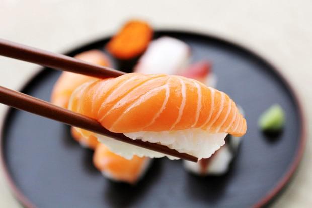 Nam đầu bếp chỉ ra 4 sai lầm cơ bản của người Việt khi ăn sushi, bạn có chắc mình đã thưởng thức món này đúng cách? - Ảnh 3.