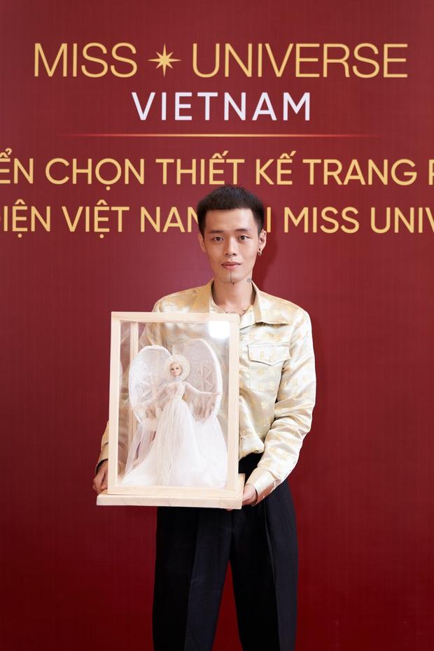 Trang phục dân tộc của Khánh Vân bị tố đạo nhái Hoa hậu Myanmar ngay sau khi công bố - Ảnh 2.