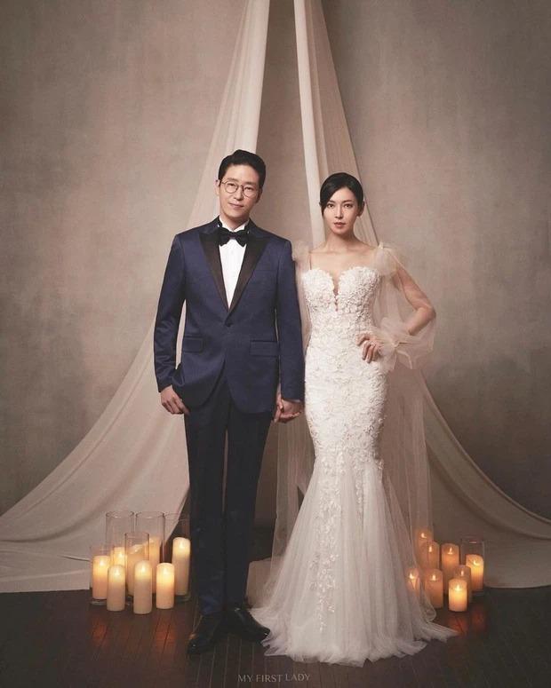 Tỷ lệ cơ thể ảo diệu của ác nữ Penthouse Kim So Yeon: Trông như 1m70, ai dè chiều cao thật gây ngỡ ngàng - Ảnh 4.