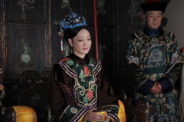 Triệu Lệ Dĩnh bay màu, Đặng Luân lái đàn chị hơn 19 tuổi ở tiền truyện của Như Ý - Chân Hoàn? - Ảnh 1.