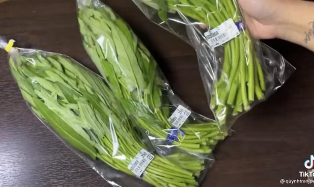 Quỳnh Trần JP than khổ vì 1 loại rau ở Việt Nam rẻ như bèo, bên Nhật tính từng cọng đắt ngang thịt cá - Ảnh 2.