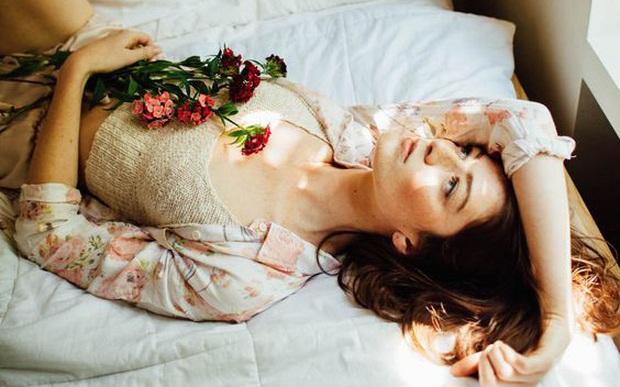 Trong và sau khi ngủ mà thấy dấu hiệu kỳ lạ này nghĩa là cơ thể bạn đang lão hóa nhanh, rất cần khắc phục kịp thời - Ảnh 1.