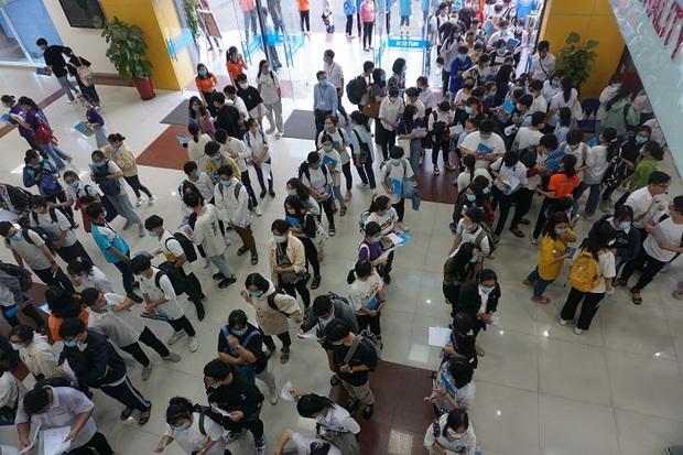 Trên 70.000 thí sinh bước vào kỳ thi Đánh giá năng lực đợt 1 xét tuyển vào đại học - Ảnh 1.