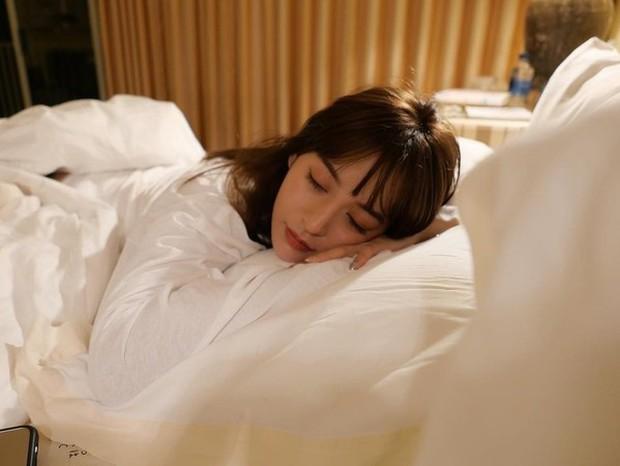 5 mẹo để cải thiện chất lượng giấc ngủ hiệu quả, ai bị mất ngủ vào học bí kíp ngay - Ảnh 1.