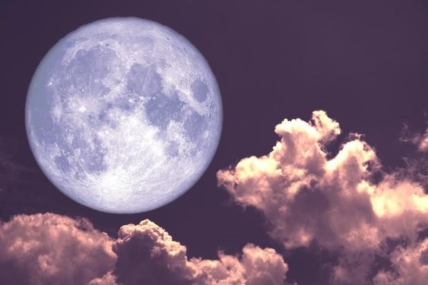 Ngay đêm nay: Siêu trăng giun khổng lồ đang rực sáng trên bầu trời, xem ngay kẻo lỡ - Ảnh 1.