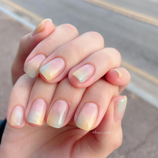Nàng công sở tham khảo 10 mẫu nail vừa xinh vừa sang lại không sợ quá lố khi đến công ty này! - Ảnh 3.